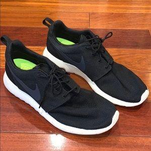 Men's Black Nike Rosie Run Sneakers